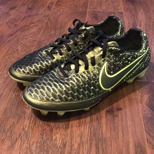 Nike Magista Orden dark citron/black soccer cleats